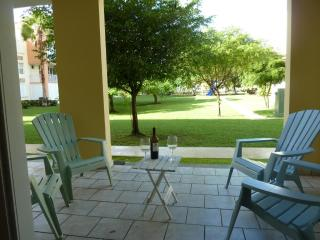 Enchanting Garden - Steps Away from the Beach and Pool, Loíza