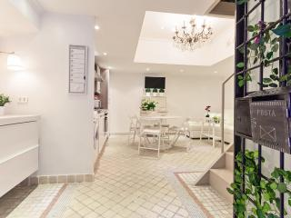 Your Luxurious Loft in Trastevere x 6, Rome