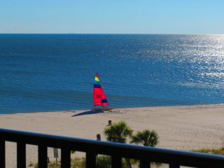 Pass Christian Top Floor Beachfront Condo--NO FEES