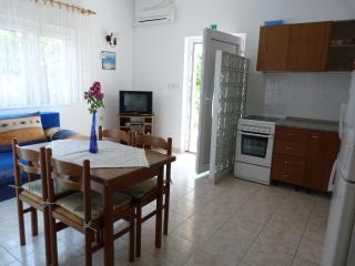 Apartment A1, Okrug Gornji