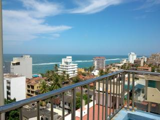 Fully Furnished Seaside 3BR Apartment - short term