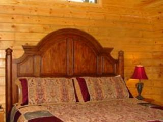 Enchanted Forest: Deluxe Mountain Top Cabin 3, Eureka Springs