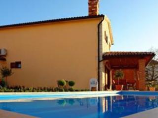 Villa With Private Pool And Sea Views, Sveti Lovrec