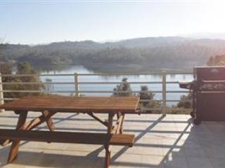 Chateaux Bourdeaux - Contro w/Private Dock, Lake Nacimiento
