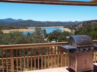 Hidden Gem-Perfect Family Getaway with Lake Views, Lake Nacimiento