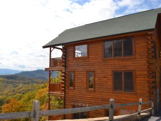 Beautiful Smoky Mountain Luxury Cabin!, Sevierville