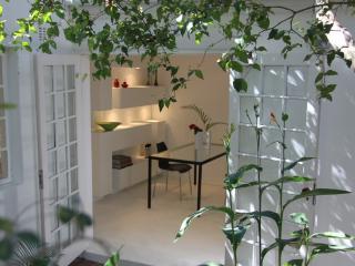 Wowhaus - Tranquil garden apartment, Durban