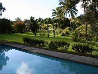 Charming Country Estate with Pool. Upcountry  N Maui