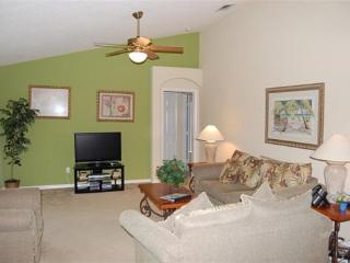 Elegant 4 Bedroom 3 Bath Executive Pool Home with Spa Just Minutes From Disney. 16143PHS, Orlando