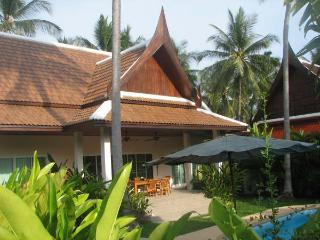 Comfortable &  Calm 2 bedrooms pool villa in Rawai