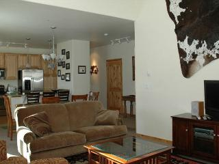 Very nice 2 bed / 2 bath condo at the new Trailhead property in Winter Park
