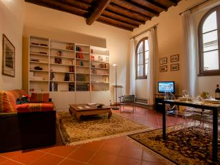 Duomo luxury Apartment, Elevator+WiFi (N. 1), Florencia