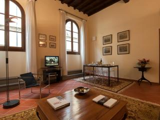 Real Home Luxury Apartments 20 steps from Duomo; WiFi, Elevator equipped (N. 1)