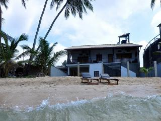 An Exotic 2 BR Holiday Apartment in Hikkaduwa