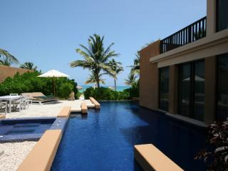Luxurious 3 bedroom oceanfront pool villa, Playa del Carmen
