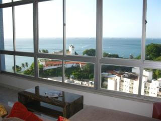 Splendid 360 degrees view of Top Floor-3 bedrooms, Salvador