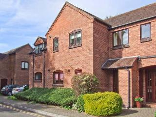 9 BANCROFT PLACE, ground floor apartment, short walk from amenities, off road parking, in Stratford-upon-Avon, Ref. 24856
