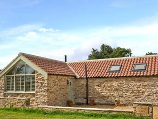 BARN OWL COTTAGE, detached, woodburner, off road parking, paved terrace, in Brandsby, Ref 25755