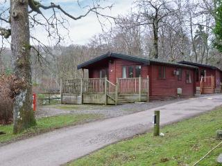 LAKE WINDS LODGE, pets welcome, Sky TV, WiFi, on-site facilites, lodge near Windermere, Ref. 30593