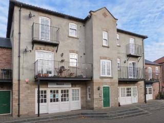 14B CANAL WHARF, second floor apartment, canal views, many attractions close by, in Ripon, Ref 30469
