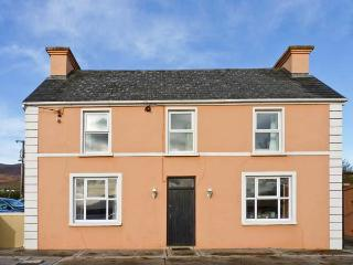 DRUMVILLE HOUSE, detached cottage, en-suite facilites, close to the coast and