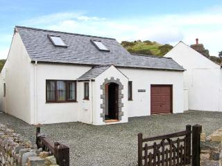 PEN Y BONT family-friendly, close to beach, village centre in Aberdaron Ref 3065