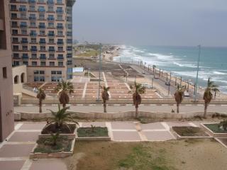 Marom HofHacarmel One Bedroom Apartment &Sea View, Haifa