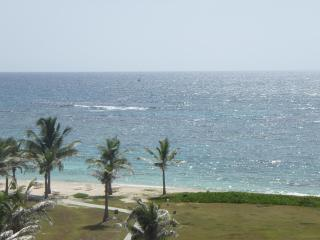 Beautiful 3 Bedroom Ocean view Condo, Philipsburg