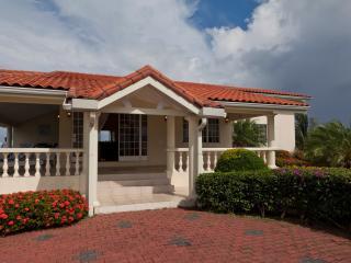 Coolo Breezo - Beautiful Panoramic Views of Tobago