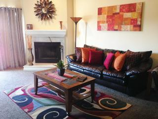 FALL FRENZY****4 BDRM****SLEEPS 12******, Osage Beach