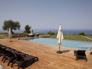 Villa Mediterraneo: Luxury Villa Rental - Calabria, Fuscaldo