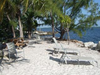 TARPON FLATS INN AND MARINA, Key Largo