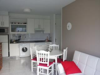 Beautiful apartament at the beach, Uhia