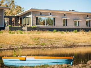 Luxury eco - farmhouse close to town, Forbes