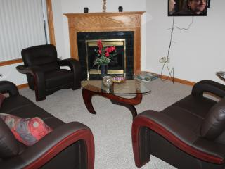 Lakeview, 4 Bdrms, Sleeps 10, near Mt. Airy Casino, Mount Pocono