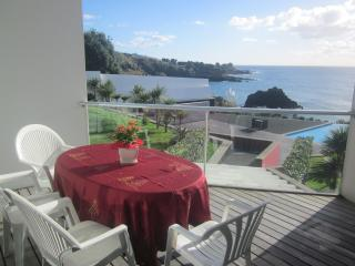Marina Mar II: Two-Bedroom Apartment with Sea View, Vila Franca do Campo