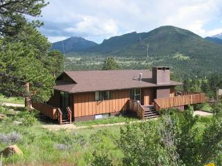 Breathtaking Views,Huge Deck,Private,Fireplace 4 Bedroom 2 Bath,Sleeps up to 10