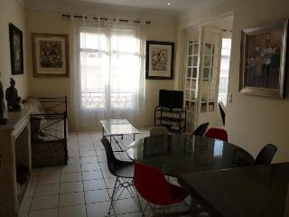 Miramar Oustanding 2 Bedroom Vacation Home in Cannes