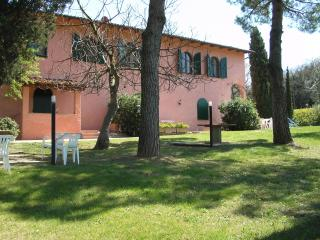 holidayhome for 4/6  in Tuscany nearby S Gimignano, Montaione