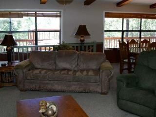 Great views of Sierra Blanca in this beautiful mountain home, Ruidoso