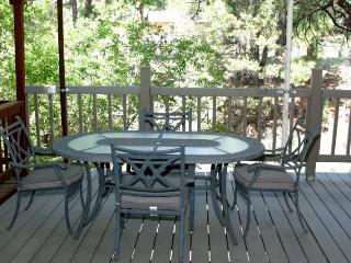 Great condo is walking distance to Mid-Town across the Rio Ruidoso