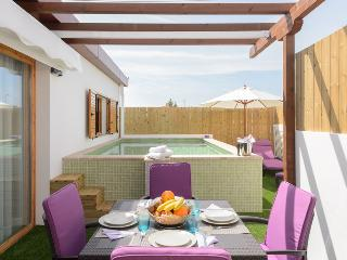 FAMILY VILLA *** LAST MINUTE OFFER ***