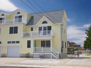 4128 Ocean Drive West, Avalon