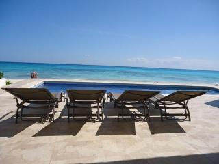 Casa Joya del Mar- Ocean front villa, Playa del Carmen
