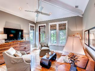 Stylish carriage house with amazing kitchen near Rosemary Beach Cabana Pool - Beach Music Carriage House