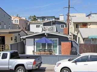Marina Park neighborhood!  Steps to all Newport has to offer. (68363), Newport Beach