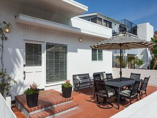 Gorgeous Renovated Classic Beach Cottages (68369), Newport Beach