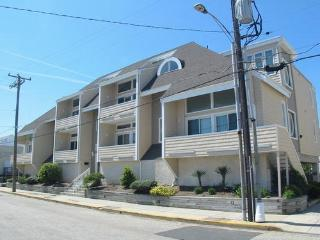834 Moorlyn Terrace Unit **********