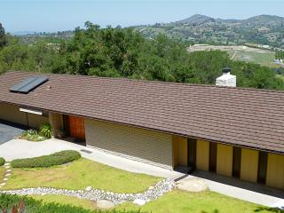 Super Cool Mad Men Hideaway with Pool Table, Views, Fallbrook
