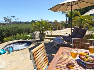 Amazing Ocean View Paradise Cottage, deck + Hot Tub, 31+ night min. contract, Santa Barbara